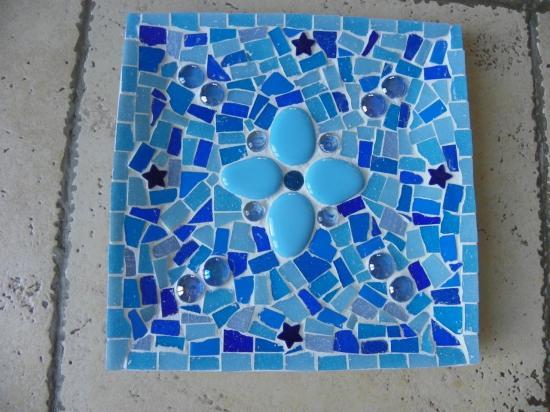 vide poche en mosaïque bleu